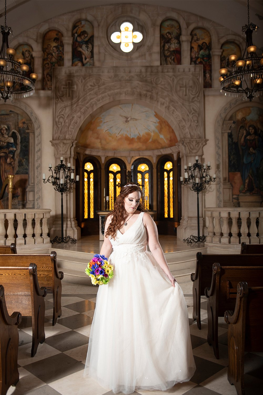 bridal-portraits-inside-donna-bella-chapel